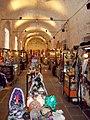 Manzana de las Luces interior del mercado de artesanos.jpg