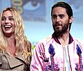 Margot Robbie & Jared Leto (28568544536).jpg