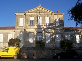 The town hall in Martillac