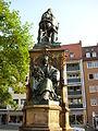 Martin-Behaim-Denkmal Theresienplatz Juni 2010 08.jpg