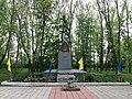 Mass Grave of Soviet soldiers, Velyki Budyshcha, Dykanka Raion (2019-05-10) 01.jpg