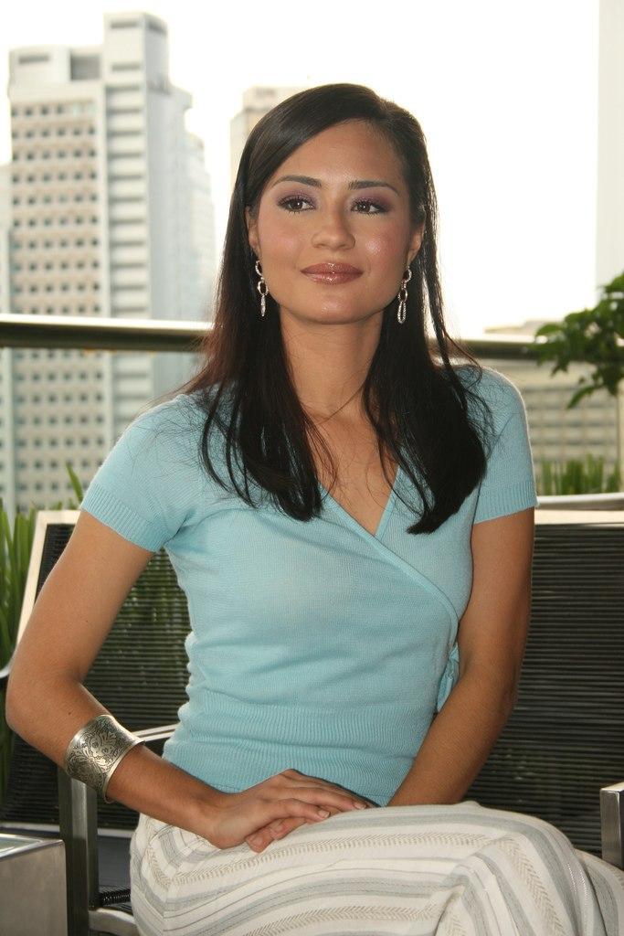 Maya Karin Khairil