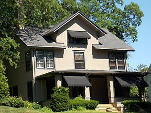 McClellan Heights Historic District - A house on Glenwood Avenue