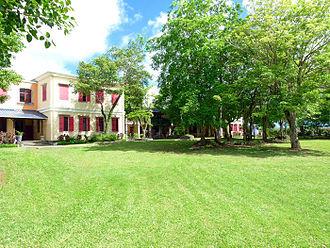 Northfields International High School - Image: Meeting Area Buildings