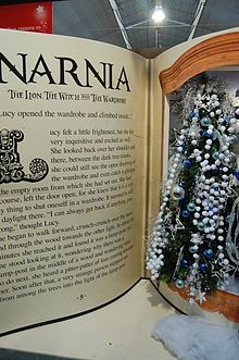Melbicks Christmas display 06 - Narnia.JPG