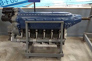 Menasco C6S-4 Super Buccaneer inline aircraft engine (23642738282).jpg