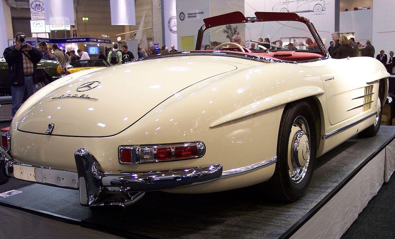 File:Mercedes-Benz SL 300 Cabrio creme hr TCE.jpg - Wikimedia Commons