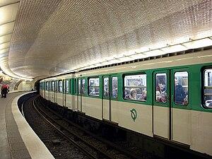 Mabillon (Paris Métro) - Image: Metro de Paris Ligne 10 Mabillon 02