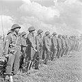 Militairen tijdens de militaire parade bij gelegenheid van de eerste verjaardag…, Bestanddeelnr 255-0982.jpg