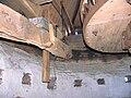 Molen Emmamolen Nieuwkuijk, vangbalk achterste hanger.jpg