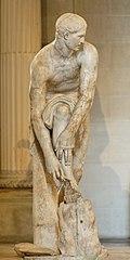 Hermès remettant sa sandale