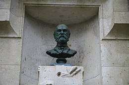 Monument Léon Germain Pelouse (buste).jpg
