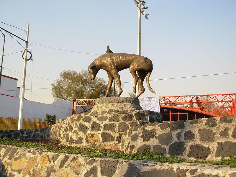 en el día del animal, monumento al perro abandonado
