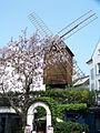 Moulin Radet, Paris 8 May 2010 005.jpg