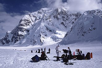 Mount Hunter (Alaska) - Mt. Hunter from the northwest (Kahilta Base Camp)