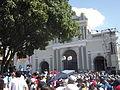 Multitud procesión divina pastora (Basílica de Santa Rosa).jpg