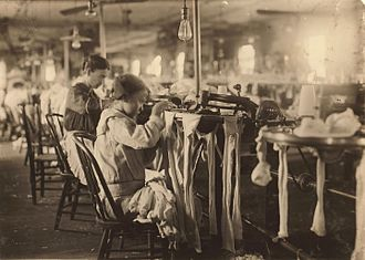 Scotland Neck, North Carolina - Child labor in Scotland Neck, 1914.  Photo by Lewis Hine.