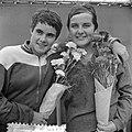 Nederlandse zwemkampioenschappen, Toos Beumer , Erica Terpstra, Bestanddeelnr 916-7426.jpg