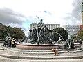 Neptunbrunnen 036.jpg