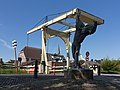 Nieuwerkerk aan den IJssel sculptuur met de Gele Brug RM30438 foto6 2015-08-03 10.45.jpg