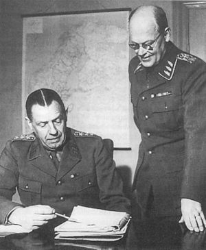 Swedish nuclear weapons program - Supreme Commander of the Swedish Armed Forces Nils Swedlund and Chief of Staff Richard Åkerman on their first day in office in April 1, 1951