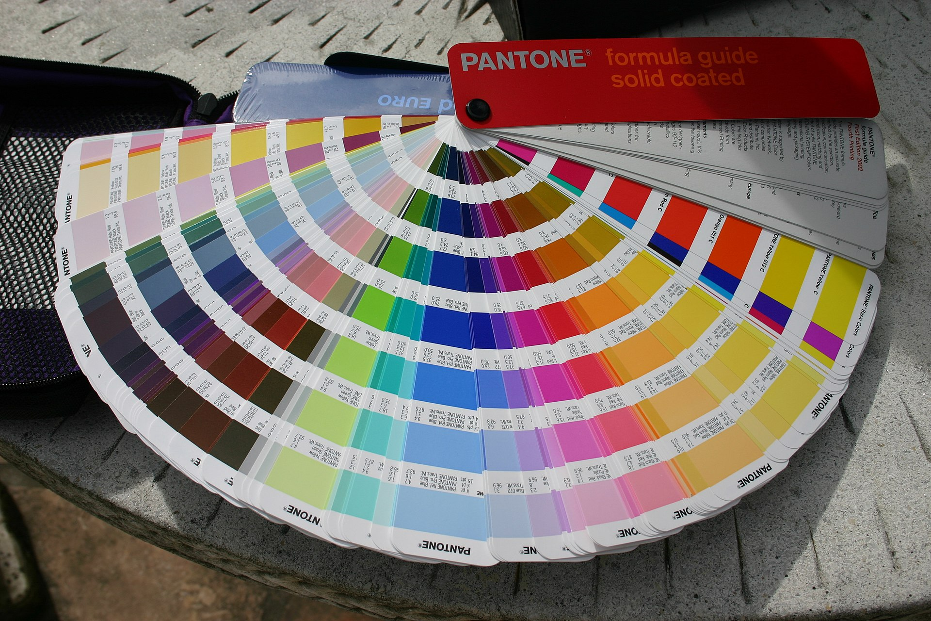 pantone matching system wikipedia. Black Bedroom Furniture Sets. Home Design Ideas
