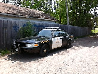 Ontario Provincial Police - Current OPP cruiser with black and white graphics