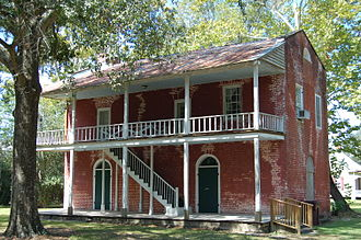 Livingston Parish, Louisiana - Image: Old Livingston Courthouse 1