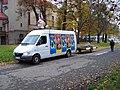 Olomouc, Legionářská, dodávka cirkusu Sultán (01).jpg