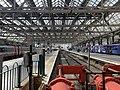 On platform of Glasgow Central Station 02.jpg