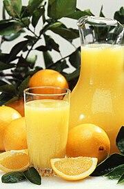 http://upload.wikimedia.org/wikipedia/commons/thumb/5/5a/Oranges_and_orange_juice.jpg/180px-Oranges_and_orange_juice.jpg