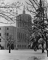 Oregon State Capitol building covered in snow (6478852479).jpg