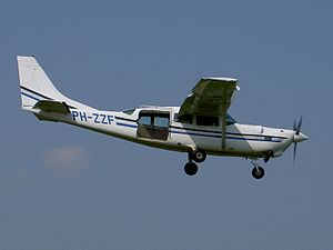 PH-ZZF Cessna T207-A Soloy p2.JPG