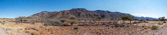 Paisaje en el parque nacional de Namib-Naukluft, Namibia, 2018-08-06, DD 01-05 PAN.jpg