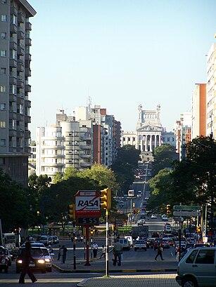 Cómo llegar a Avenida Libertador Brigadier General Juan Antonio Lavalleja Y Paysandú en transporte público - Sobre el lugar