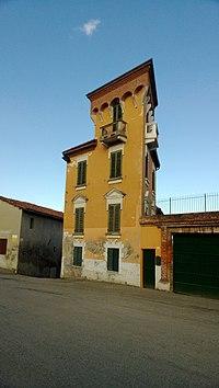Palazzo a Villa San Secondo.jpg