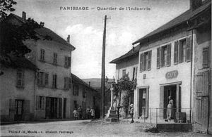 Panissage, quartier de l'industrie, vers 1920, p154 de L'Isère les 533 communes - photo J M Manon, c Chabert Panissage.jpg