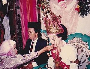 Lampung people - Image: Pengantin Suku Lampung