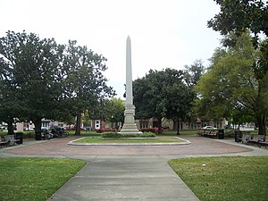 Plaza Ferdinand VII - The plaza, with the Chipley monument in the center
