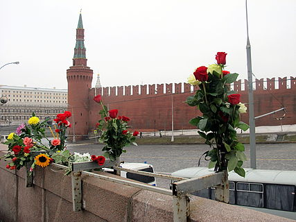 People came to the side of Boris Nemtsov's murder (2015-02-28; 16).JPG