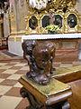 Peterskirche puti benches, Vienna.jpg