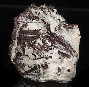 Piemontite - Piémontite from the type locality: Prabornaz Mine, Italy