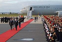 Piñera Paris arrival 2010.jpg