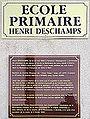 Plaques de l'école primaire Henri-Deschamps.JPG