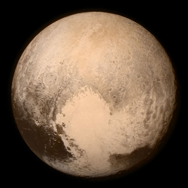 Fichier:Pluto by LORRI and Ralph, 13 July 2015.jpg