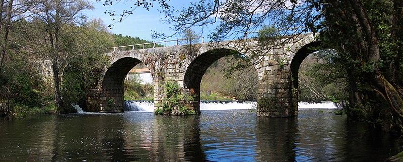 File:Ponte Freixo, Cartelle.jpg