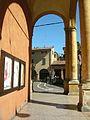 Portico di via Riva Reno sulla piazza della Pioggia.jpg
