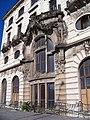 Praha hlavní nádraží, Fantova budova, z Wilsonovy, portál severního křídla.jpg
