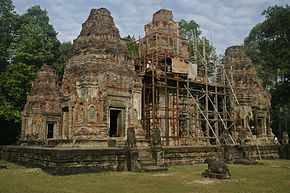 Preah Ko - Towers from the SE (4195731622).jpg