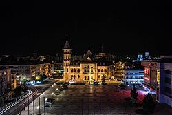 Quảng trường Dacia về đêm